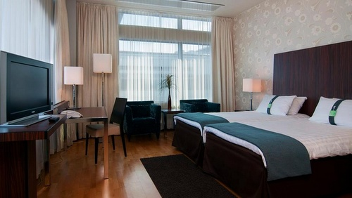 Holiday Inn Helsinki City Centre huone hotelli