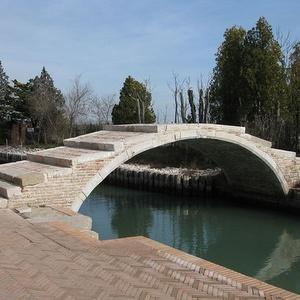 Ponte del Diavolo silta Torcello Venetsia Italia