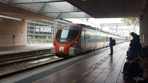 Barcelona El Prat kentän juna-asema