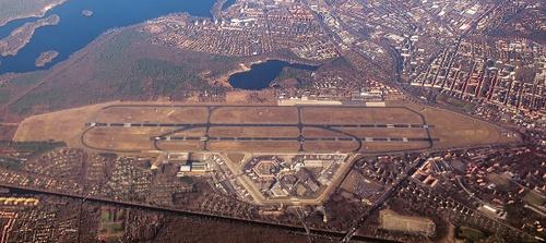 Berliini-Tegelin lentoasema