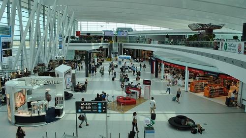 Budapestin lentoasema terminaali SkyCourt