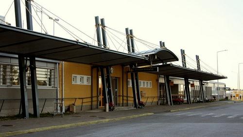 Kokkola-Pietarsaaren lentokenttä
