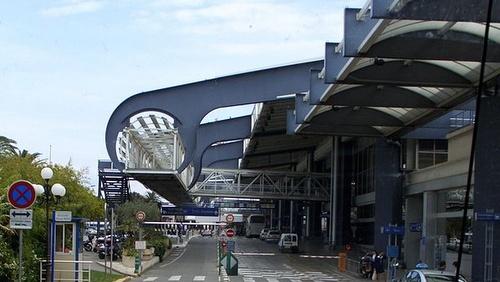 Nizzan lentoaseman matkustajaterminaali