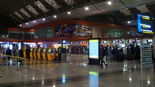 Sabiha Gökçenin lentoasema check-in alue Istanbul