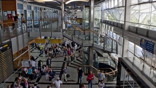 Splitin lentoasema terminaalirakennus