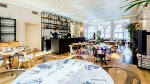 Mon Repos ranskalainen ravintola pääsali Tallinna.