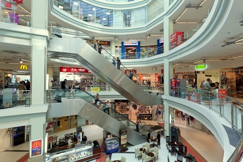 Pietarin Radius ostoskeskus Venäjä.