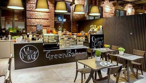 Green Bakery vegaanikahvila Arsenal Keskuksessa Tallinnassa.