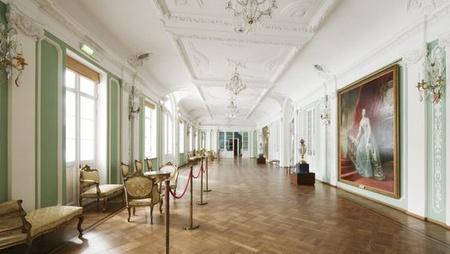 Kadriorgin taidemuseo sisätilat käytävä Tallinna.