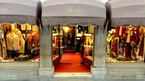 Buosi Successori men's clothing store in Venice, Italy.
