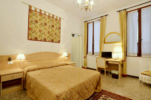 Ca' Turelli B&B hotel's double guest room in Venice, Italy.