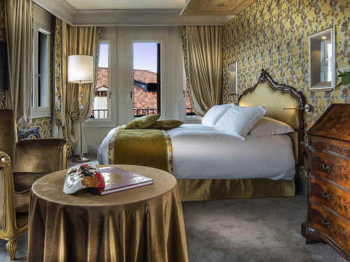 Hotel Papadopoli Venezia guest room in Venice, Italy.