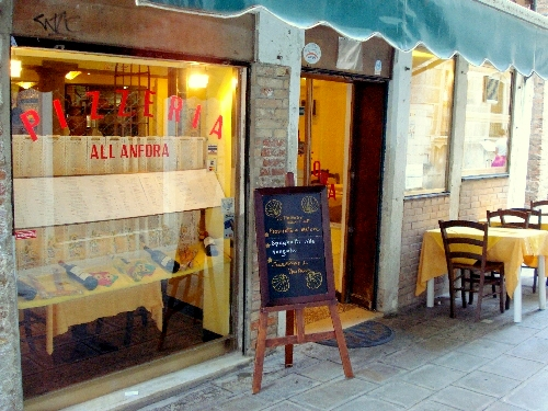 Trattoria-Pizzeria All'Anfora in Venice, Italy.